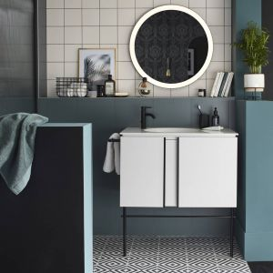 Idée n°1 : rénover et relooker une salle de bains ancienne